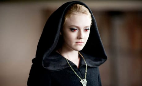 Dakota Fanning Returns as Jane