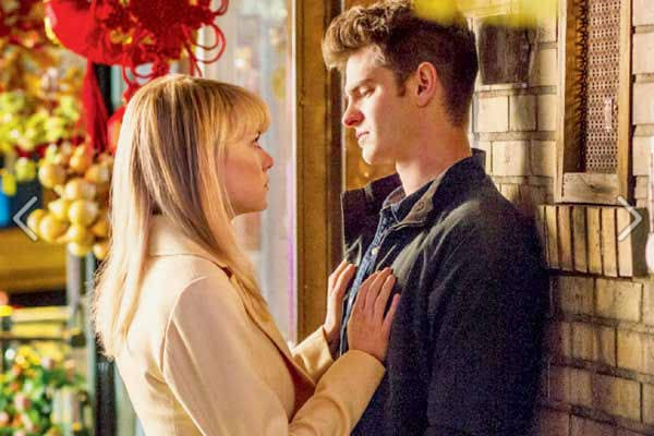 Peter Parker & Gwen Stacy Romance Grows, But Not Without Peril