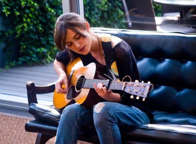 Keira Knightley Sings Like an Angel
