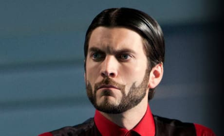 Wes Bentley is Seneca