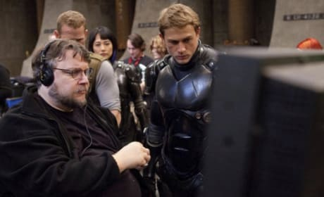 Guillermo del Toro Updates Pacific Rim 2 Schedule