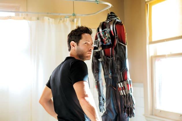 Paul Rudd Sizes Up His Suit