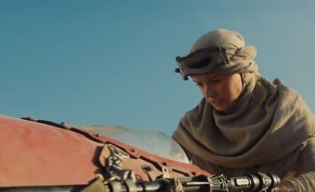 Star Wars The Force Awakens Daisy Ridley Running