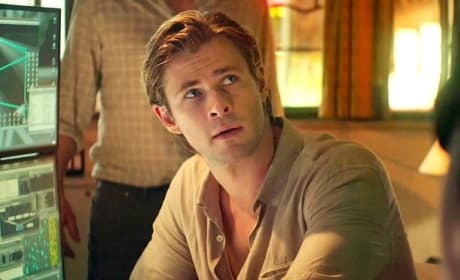 Chris Hemsworth Blackhat Movie Photo