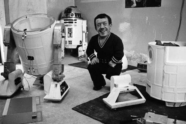 Star Wars: R2D2 Takes a Break