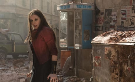 Avengers Age of Ultron Scarlet Witch Elizabeth Olsen