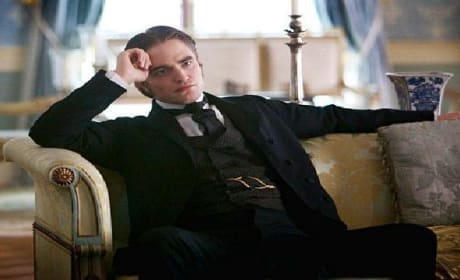Robert Pattinson Fans Freak: Bel Ami Trailer Debuts