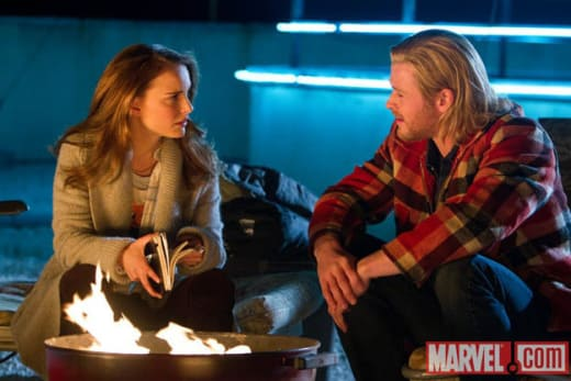 Natalie Portman & Chris Hemsworth Star in Thor