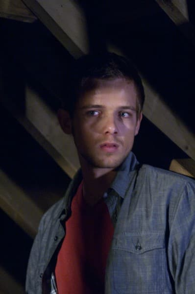 Max Thieriot in House at the End of the Street
