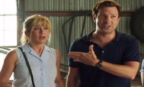 We're The Millers Trailer: Jennifer Aniston & Jason Sudeikis Go to Pot