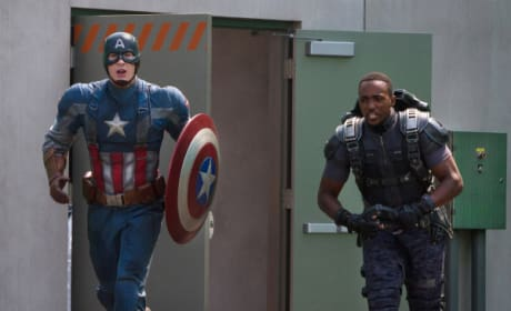 Captain America The Winter Woldier Anthony Mackie Chris Evans