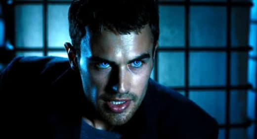 Underworld Awakening Theo James
