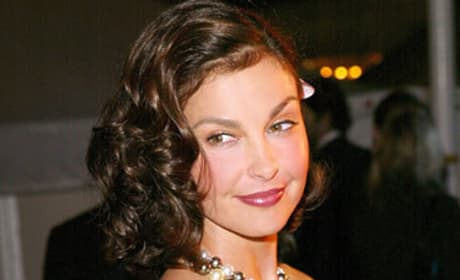Ashley Judd Will Assist the Tooth Fairy