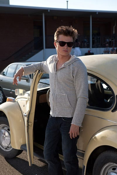 Kenny Wormald Stars in Footloose