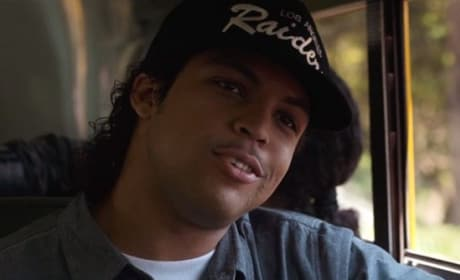 Straight Outta Compton TV Spot: From Dope House to White House!
