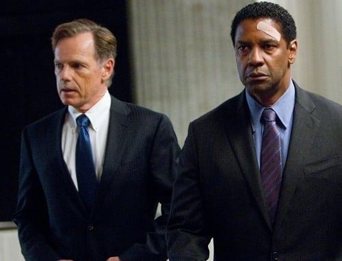 Bruce Greenwood and Denzel Washington in Flight