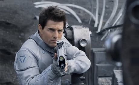 "Oblivion Director Calls Tom Cruise ""Biggest Movie Star in the World"""