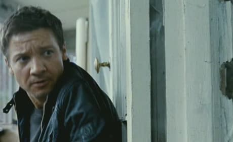 The Bourne Legacy Trailer: Jeremy Renner Rocks