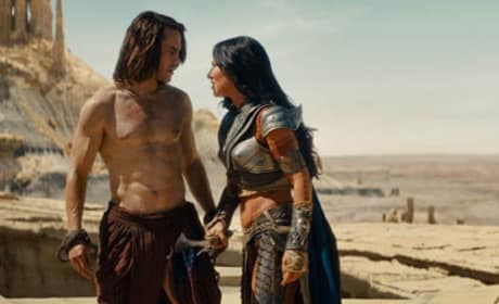 Taylor Kitsch and Lynn Colins in John Carter