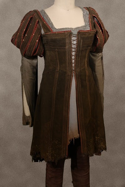 Snow White's Costume in Snow White and the Huntsman