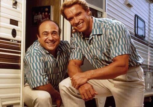 Danny DeVito and Arnold Schwarzenegger in Twins