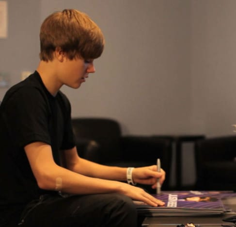 Siging Autographs