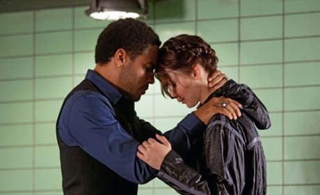 The Hunger Games: Katniss and Cinna Picture!