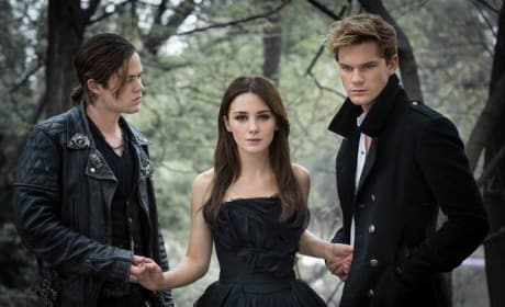 Fallen: First Image from Young Adult Blockbuster Book