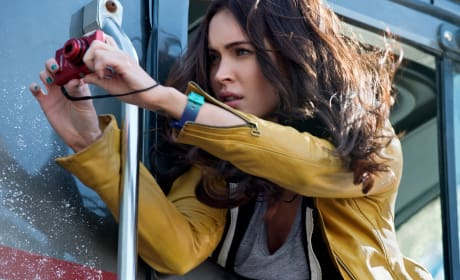 "Teenage Mutant Ninja Turtles: Megan Fox Tells Haters to ""F-ck Off"""