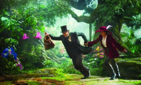Oz: The Great and Powerful Sees Four New Stills