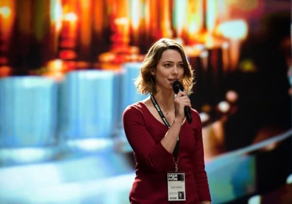Rebecca Hall Pushes Transcendence
