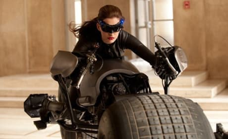 The Dark Knight Rises First Look: Anne Hathaway as Catwoman!