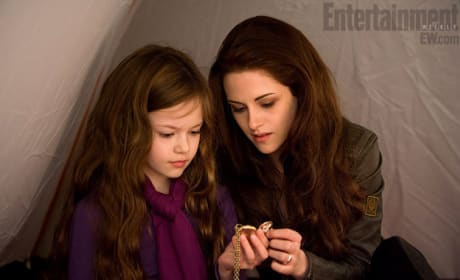 Breaking Dawn Part 2 Photo Released: Renesmee, Bella, and a Gold Pocket Watch