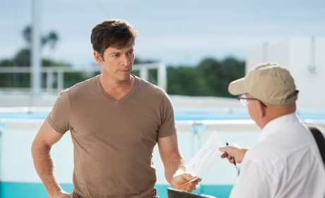 Dolphin Tale 2 Harry Connick Jr.