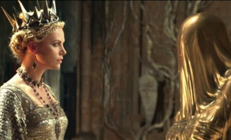 Snow White and the Huntsman Still: Evil Queen and the Magic Mirror