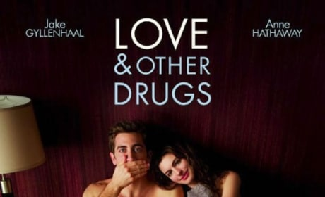 Love and Other Drugs Poster