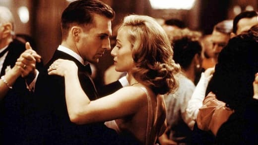 Ralph Fiennes and Kristen Scott Thomas in The English Patient