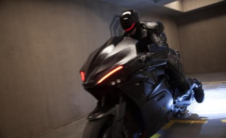 RoboCop Photos: Robo-Motorcycle Revealed!