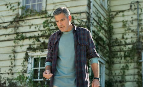 Tomorrowland: George Clooney Raps About the Future