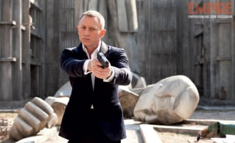 "Skyfall International Trailer Asks ""How Much Do You Know About Fear?"""