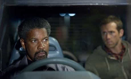 Ryan Reynolds and Denzel Washington in Safe House