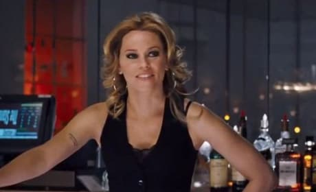 Elizabeth Banks in People Like Us