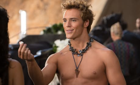 Catching Fire: First Finnick Image of Sam Claflin