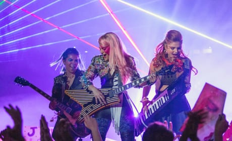 Jem and the Holograms First Photo: These Girls Are Ready to Rock!