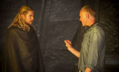 Thor: The Dark World Chris Hemsworth Set Photo