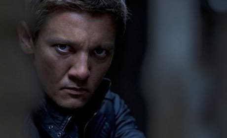 The Bourne Legacy Review: Does Damon Loss Hurt?