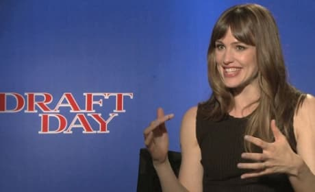 Draft Day Exclusive: Jennifer Garner Exclusive
