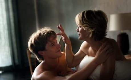 Adore Clip: Robin Wright Gets Steamy