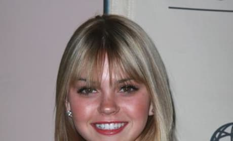 Aimee Teegarden Photo