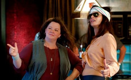 The Heat Review: Do Melissa McCarthy & Sandra Bullock Bring It?